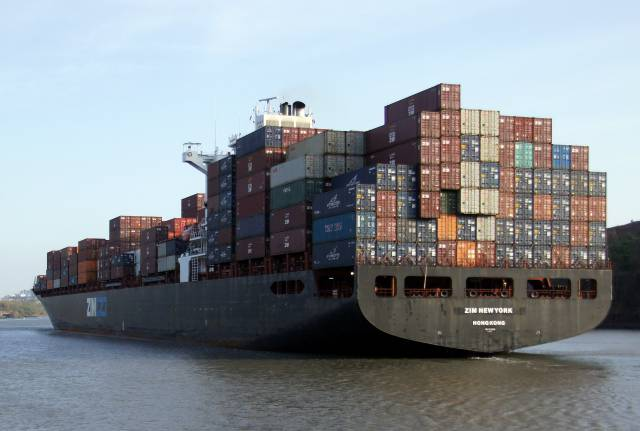 New shipping container rule implementation delayed